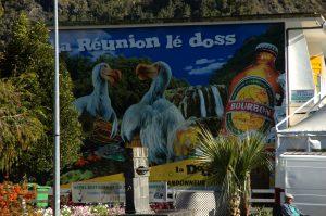 Cilaos :: happy dodos advertising the ubiquitous Bourbon beer