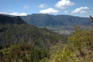 Cirque de Cilaos :: below Col du Taïbit :: Cilaos view
