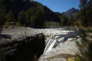 Cirque de Mafate :: the upper Rivière des Galets canyon :: les Trois Roches :: waterfall