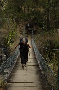 Cirque de Mafate :: a wobbly bridge over the Grande Ravine :: it is really better to do it one-by-one