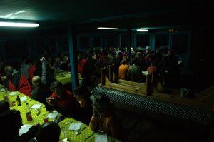 Piton des Neiges :: dinner in the Caverne Dufour refuge