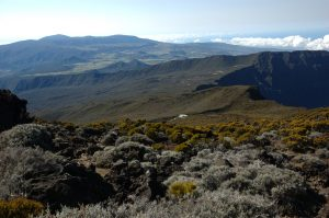 Piton des Neiges :: descending to the refuge, Plaine des Cafres and le Volcan behind