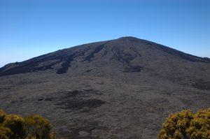 slideshow image le Volcan :: Enclos with the central Cratère de Dolomieu