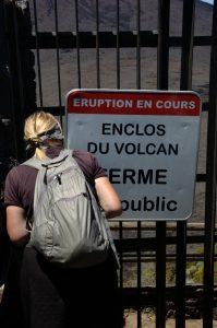 slideshow image le Volcan :: Pas de Bellecombe proper, closed trails entrance to the Enclos