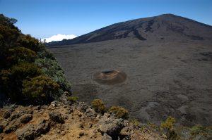 le Volcan :: Enclos with Formica Léo and Cratère de Dolomieu