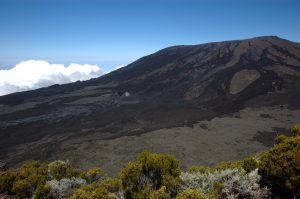 le Volcan :: Piton de Partage :: Cratère de Dolomieu nortwestern slopes with fresh eruption sites