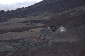 le Volcan :: Piton de Partage :: the fresh eruption crater